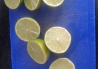 Sliced limes for Mojito ice cream